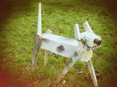 Upcycled round-about dog art, how to article.  Love it!  #reuseart #green #upcycle