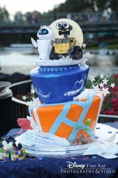 Top 10 Disney Wedding Cakes: Wall-e and Eva Walt Disney, Disney Food, Disney Theme, Wall E, Wedding Cake Designs, Wedding Cakes, Wedding Ideas, Wedding Themes, Wedding Reception