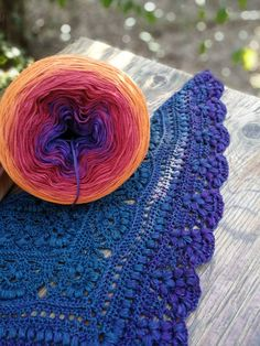 Magic Ball Dreaming V. and beautiful pattern Bella Aphrodite :) 4-ply yarn cake and 3,5 mm hook