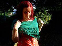 lovely lace edged shawl on Ravelry free pattern