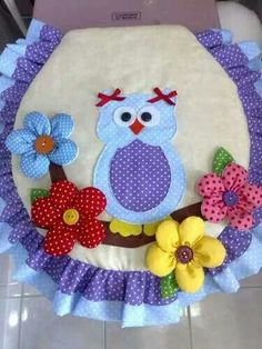 easy (and inexpensive to make) craft ideas for kids and adults you can make and sell from the comfort of your home. Sewing Crafts, Sewing Projects, Projects To Try, Diy And Crafts, Arts And Crafts, Bathroom Crafts, Sewing Techniques, Sewing Patterns, Crafty