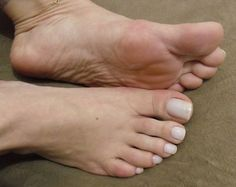 Deusa Grazi sexy toes at【Pictoa】 Toe Nails White, Pretty Toe Nails, Sexy Nails, Sexy Toes, Pretty Toes, Feet Soles, Women's Feet, French Toes, French Toe Nails