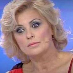 http://it.blastingnews.com/tv-gossip/2016/09/u-d-rissa-in-studio-tra-tina-e-una-dama-lei-abbandona-il-programma-001123639.html  #UominieDonne: #rissa in studio tra #TinaCipollari e una #dama, quest'ultima ha abbandonato per sempre il #programma.  #ued #tronoclassico #tronogay #tronoover #tina #laura #gemma #giorgio
