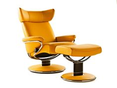 The Stressless Consul is a Scandinavian design comfort recliner. Experiment with our new design function and customize your own Stressless recliner. Leather Recliner Chair, Recliner Chairs, Arm Chairs, Cedar Falls Iowa, At Home Furniture Store, Furniture Decor, Jazz, Mid-century Interior, Interior Design