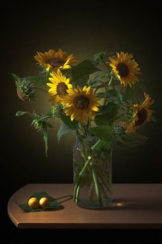 Still Life Photography, Professional Photographer, Beautiful Flowers, Art Projects, Backdrops, Glass Vase, Sunflowers, Watercolor, Nice