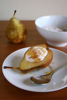 warm pears with cinnamon ricotta