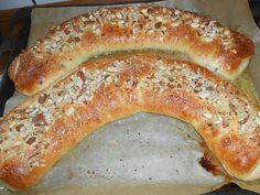 Danish Food, Pan Dulce, Bread Cake, Eat Smart, Bread Rolls, Cake Cookies, Hot Dog Buns, Bagel, Kobe