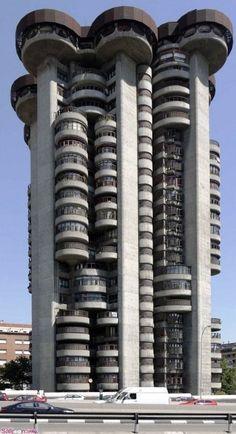 Edificio Torres Blanca, Madrid