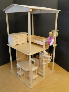 Dollhouse For 12 Inch Dolls (090)