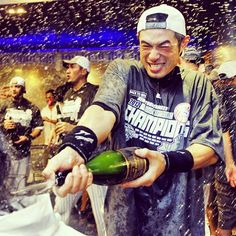 Ichiro celebrates. #27andCounting