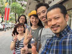 """Kakakakakaka 888888  có người nói ông quái đản, dị hợm, khùng điên, nhố nhăng và tào lao. Đáp lại những chỉ trích, vị doanh nhân lập dị này chỉ mỉm cười: """"Tôi vẫn đang sống và làm việc chứ nào có chạy theo, nếu có thì chỉ là chạy theo sự thành công của tương lai phía trước""""  Kakakakakaka iloveyou   http://m.vtc.vn/doanh-nhan-hung-cuu-long-ong-tung-lam-chieu-cua-showbiz-viet.1.552929.htm"""