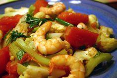 Bông Cải Trắng Nấu Cà Chua Braised Cauliflower with Tomato and Shrimp. Recipe by: Kiki Rice http://kikirice.blogspot.com/2007/06/bng-ci-trng-xo-c-chua-tm.html