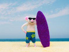 Marino Surfer Nadel Gefilzte Maus Nadel von ThreeLittleCatsShop