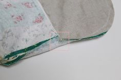 Makeup Bag with magnetic clasp. Photo Sewing Tutorial.