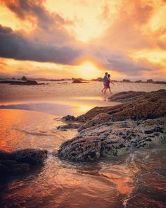 #currumbin #currumbinalley #currumbinrock #currumbinbeach #goldcoast #goldenhour #queensland #qld #australia #ig_captures #ig_sunsetshots #surf #ocean #beach #sea #seascape #pacific #eastcoast #rockpools #sunset #gold #sunrays #colour #color by nancello_photo http://ift.tt/1X9mXhV