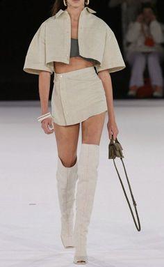 Look Fashion, 90s Fashion, Couture Fashion, Runway Fashion, High Fashion Outfits, Dubai Fashion, School Fashion, Korean Fashion, Casual Couture