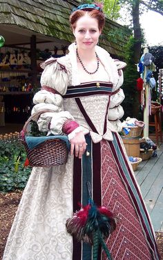 Elizabethan Gown By Kat Brown, Bristol Renaissance Faire