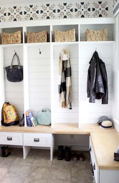 Awesome DIY mudroom makeover - DIY cubby shelves with an L-shaped bench, tons of storage, drawers, baskets. A complete room makeover shaped Mudroom ideas 6 Amazingly Easy Things You Can Do to Love Your Home Mudroom Cubbies, Cubby Shelves, Drawer Shelves Diy, Mudroom Benches, Closet Mudroom, Do It Yourself Organization, Home Organization, Hall Tree With Storage, Diy Drawers