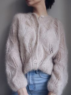 Ravelry: Tender Leaves Cardie pattern by Masha Zyablikova Gilet Mohair, Mohair Sweater, Pull Angora, Lace Cardigan, Knit Cardigan Pattern, Jumpsuit Pattern, Sweater Knitting Patterns, Knit Cowl, Outfits Mujer