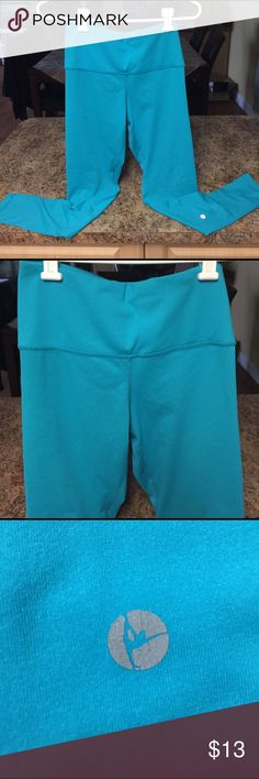 90 Degree by Reflex Like New work out pants Beautiful Teal color with waist pocket Like New Condition 90 Degree Pants Leggings