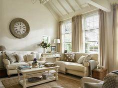 Living Room In A Belfast Lodge Cottage   Ashley Morrison.