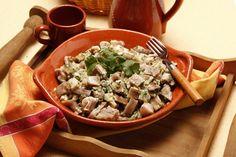 Receita de Salada de orelha de porco. Descubra como cozinhar Salada de orelha de porco de maneira prática e deliciosa com a Teleculinaria!
