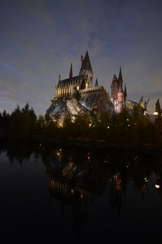 The Wizarding World of Harry Potter at Universal Studios Japan Universal Parks, Universal Studios Japan, Harry Potter Universal, Harry Potter World, Florida Theme Parks, Wallpaper Backgrounds, Iphone Wallpaper, Southeast Asia, Hogwarts
