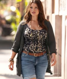 Plus Size Models | PLUS MODEL TARA LYNN FOR H SUMMER CHIC CAMPAIGN | STYLISH CURVES