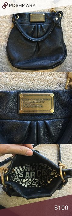 Marc Jacobs black crossbody bag This is a beautiful, Marc Jacobs crossbody bag in EUC. No visible signs of wear and immaculate interior. Marc By Marc Jacobs Bags Crossbody Bags