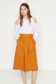 La nueva colección de Zara para esta temporada primavera verano 2016 ya tiene nombre y se llama Rusty Orange!  #Modalia #Zara #NuevaColección #RustyOrange   http://www.modalia.es/marcas/zara/10744-nueva-coleccion-zara-rusty-orange.html