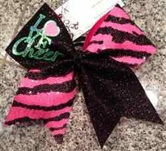 A very pretty bow by Bows by April. Need to also order this sometime for my daughter!!:)
