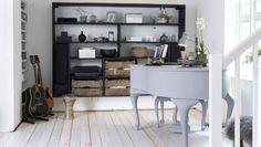 styl skandynawski,styl rustykalny,styl industrialny,industrialne meble,dodatki do w wnętrz,dekoracje,czarne meble,drewniane meble,biały fortepian,biała podłoga