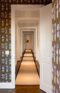 Traditional Interior Design By Ownby: Before And After: A Williams-Sonoma Exec's Lively Narrow Hallway Decorating, Narrow Entryway, Hotel Corridor, Long Hallway, Entry Hallway, Upstairs Hallway, Entrance Hall, Traditional Interior, Traditional House