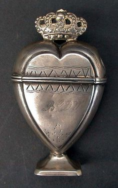 Danish heart-shaped spice box, century a little something more endearing reaches out from their time to ours I Love Heart, My Heart, Heart Art, Vintage Silver, Antique Silver, Argent Antique, In Vino Veritas, Objet D'art, Sacred Heart