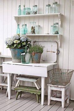 8 Flourishing Cool Tips: Shabby Chic Desk shabby chic desk posts.Shabby Chic Rustic Dreams shabby chic home design.Shabby Chic Frames On Wall. Rustikalen Shabby Chic, Cocina Shabby Chic, Casas Shabby Chic, Shabby Chic Homes, Shabby Chic Furniture, Bathroom Furniture, Shabby Chic Patio, Shabby Chic Decor Living Room, Vintage Furniture