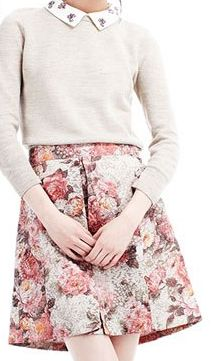 Tissue/cashmere sweatshirt, front pleat skirt, and simple sandals