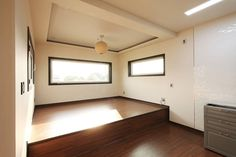 햇살품은 미니멀리즘 주택 [용인 방아리]: 윤성하우징의 다이닝 룸