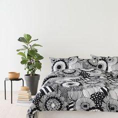 Marimekko, Scandinavia Design, Sleep Dress, Bed Room, Interior Ideas, Comforters, Dressing, House Design, Blanket