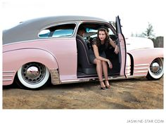 I want this car!! ....and her shoes!