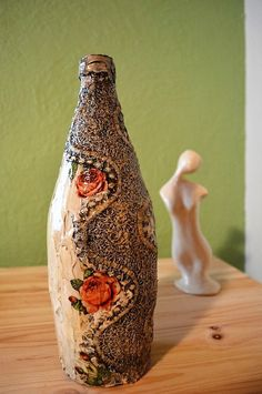 How To Decoupage On Glass Bottle With Pizzi Goffre Technique. Step 7. Final result