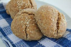 This low carb and gluten free almond flour bread roll recipe is one of the best alternative to bread I have ever tasted. A paleo and healthier alternative.