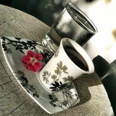 """كانت معظم الصور في اﻷسبوع الثالث مميزة وجميلة، وكان لدينا مجموعة من اﻷصدقاء الجدد ...شكراً لكل من شاركنا ^_^   موضوعنا لﻷسبوع الرابع سيكون """"قهوة"""" ومن ﻻ يحب القهوة ^_^  المطلوب أن تظهر القهوة في الصورة بشكل واضح، فنجان قهوة، بن، آلة صنع القهوة.. او بأي شكل ترونه مناسباً.   أرجو من الجميع تطبيق الملاحظات الخاصة بالصور السابقة، مثل اﻹضاءة و قيمة ISO والمساحات الخالية في الصور… واﻷهم اﻻنتباه عند استخدام الفلاش :)   أرجو إضافة الوسوم التالية للصورة: #قهوة  #Coffee  الموعد:  البداية من يوم… Mugs, Tableware, Decor, Decoration, Dinnerware, Decorating, Tumbler, Dishes, Dekorasyon"""
