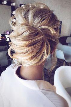 Top Wedding Updos For Medium Hair ❤ See more: http://www.weddingforward.com/wedding-updos-for-medium-hair/ #weddings