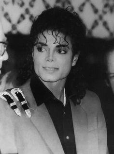Michael Jackson - Cuteness in black and white ღ  by ⊰@carlamartinsmj⊱