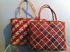 Image result for flax weaving instructions raranga Flax Weaving, Basket Weaving, Maori Designs, Cool Designs, Respect Images, Traditional Baskets, Art Diary, Maori Art, Weaving Patterns