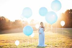 Maternity location photoshoot baby boy blue with balloons - pregnant Gender Reveal Photography, Gender Reveal Photos, Gender Reveal Dress, Gender Reveal With Balloons, Maternity Poses, Maternity Photography, Baby Blue Maternity Dress, Maternity Photo Props, Maternity Sash