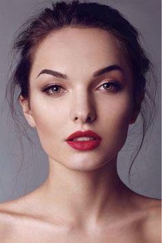 Makeup (bold lip, understated eyes)