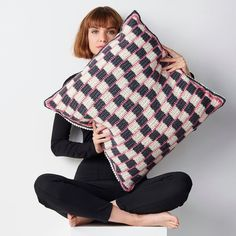 """""""How amazing is this cushion by @Emmaleithatelier!! Known as the Cafe Wall Illusion, the pink lines on this cushion appear slanted even when they are straight, because of the contrast between the black and white tiles - wow that's some clever crochet! If you fancy hooking up this amazing design for yourself, you can find the pattern in issue 102 of Simply Crochet!"""" Simply Crochet, Cafe Wall, Black And White Tiles, Crochet Cushions, Crochet Home, Crochet Clothes, Ravelry, Illusions, Crochet Patterns"""