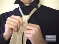 ViewDo: How to Tie a Tie (Double Windsor) - YouTube