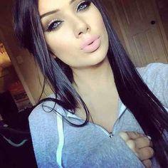 Cute makeup .